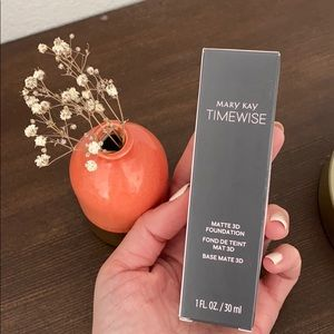 Mary Kay Timewise liquid Matte Foundation